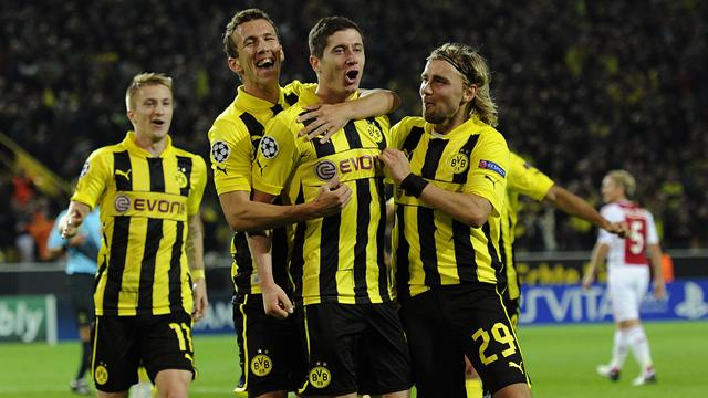 Champions League - Lewandowski goal sees Dortmund down Ajax at death