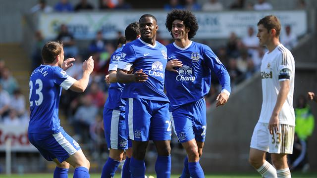 Fellaini powers Everton to win at Swansea