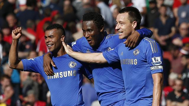 Terry defies boos as Chelsea beat Arsenal
