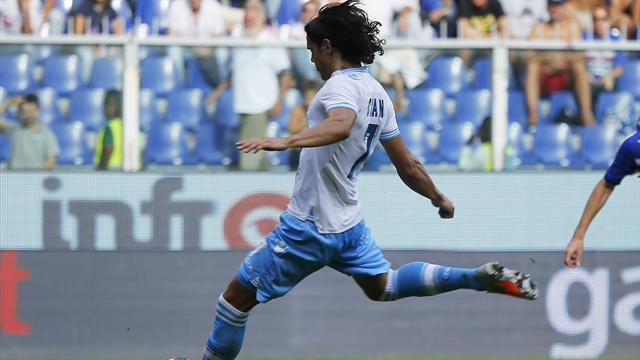 Cavani penalty sees Napoli edge Sampdoria in Genoa