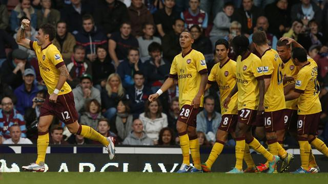 Arsenal strike late to win at West Ham