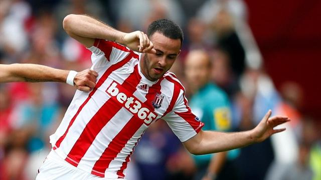 Premier League - Stoke's Wilson suffers possible broken leg in Sunderland draw