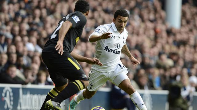Premier League - Unhappy Tottenham slump at home to Wigan