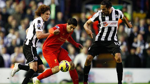 Premier League - Suarez stunner secures point for Liverpool