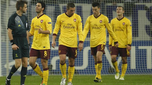 Champions League - Arsenal miss chance as Schalke come back to draw