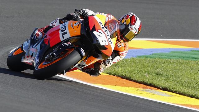 Motorcycling - Pedrosa takes pole with lap record