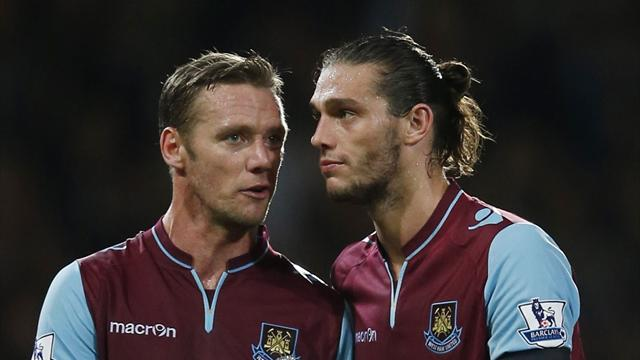 Premier League - Carroll earns victory for West Ham
