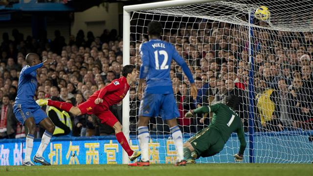 Premier League - Terry injured as Liverpool draw at Chelsea