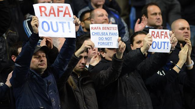 Premier League - Benitez abused as Chelsea draw with City