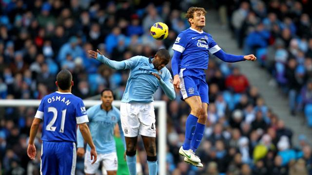 Premier League - Manchester City held by Everton
