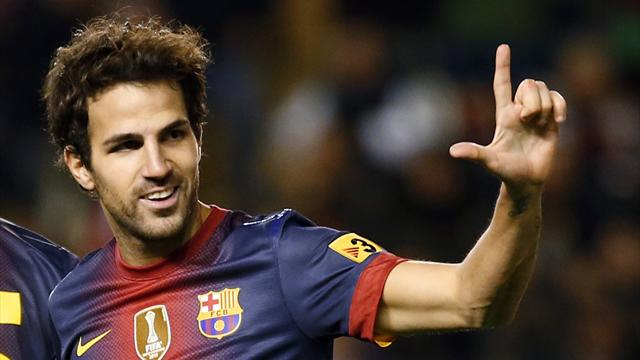 Liga - Fabregas out for a month with muscle strain