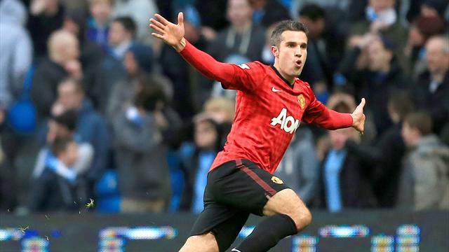 Premier League - Van Persie scores injury-time winner in chaotic Manchester derby