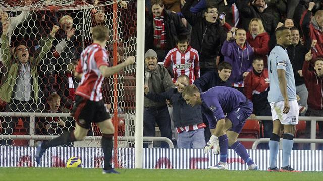 Premier League - Hart howler as Manchester City lose at Sunderland