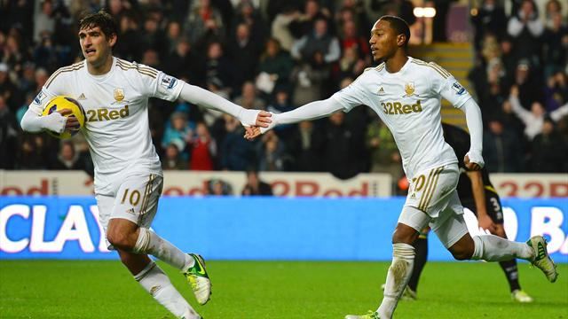 Premier League - Swansea claim late point against Villa