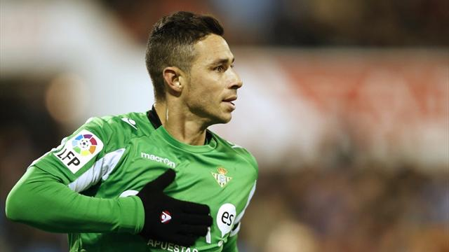 Liga - Castro fires Betis to win over Osasuna