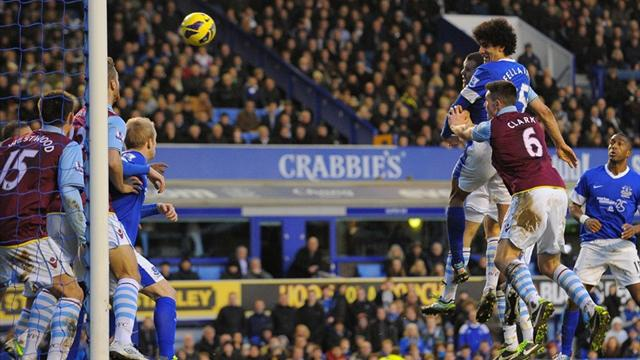 Premier League - Last-gasp Fellaini header denies Villa win