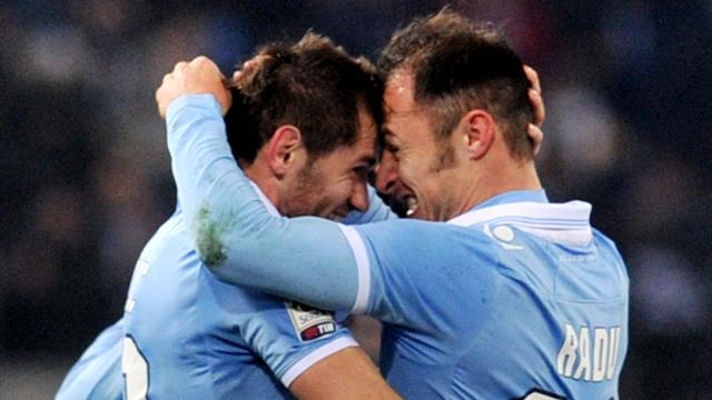 Serie A - Lazio wonder strikes sink Pescara
