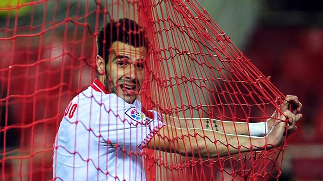 Liga - Negredo hits hat-trick in Sevilla romp against Celta