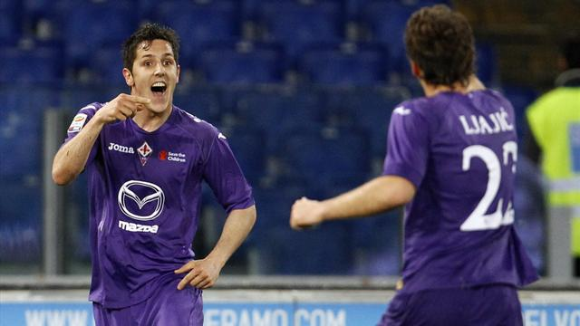 Serie A - Fiorentina beat Lazio to close on top three