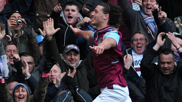Premier League - West Ham ease past West Brom with Carroll brace