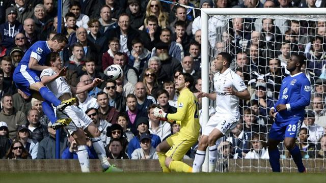 Premier League - Sigurdsson rescues a point for stuttering Spurs