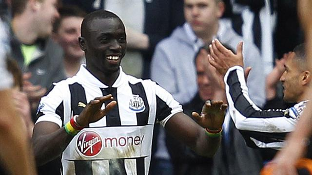 Premier League - Cisse scores last-gasp winner for Newcastle, celebrates in stand