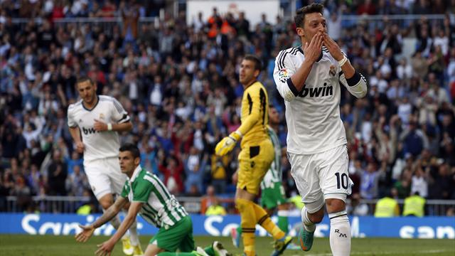 Liga - Real Madrid's edgy win spoiled by injury worries