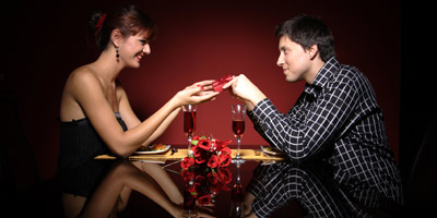 This article tells you the ways in which you can surprise your girlfriend. It gives you tips that you can follow to pleasantly surprise her