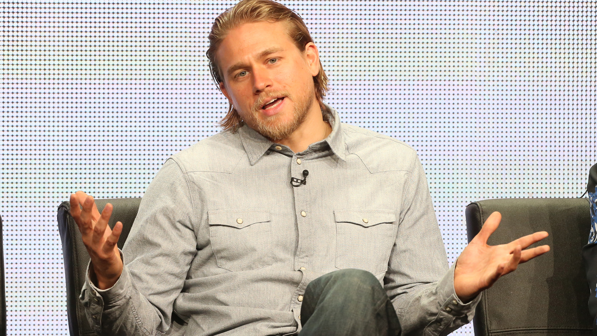 Charlie Hunnam Falls Out of 'Fifty Shades of Grey'