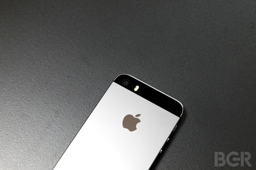 You can now get the iPhone 5s for just $99 on contract