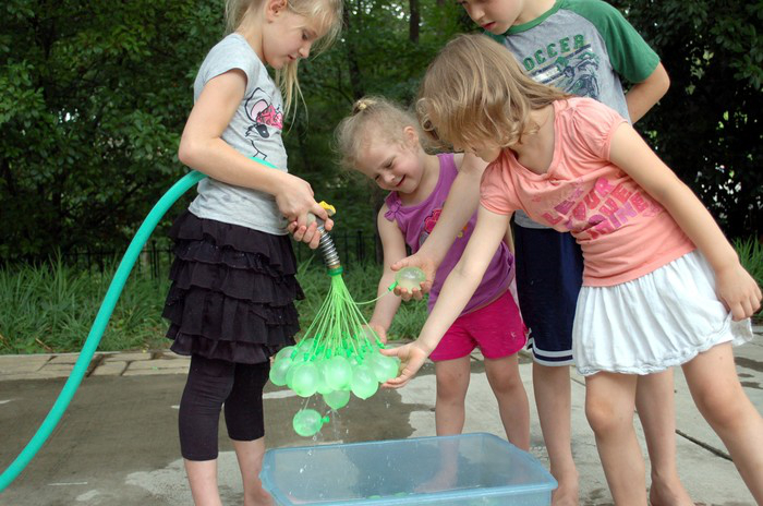 Awesome Kickstarter hit revolutionizes water balloon fights