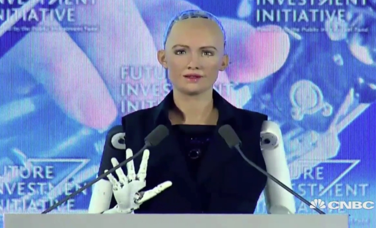 robot-sophia-trolls-elon-musk.jpg?quality=98