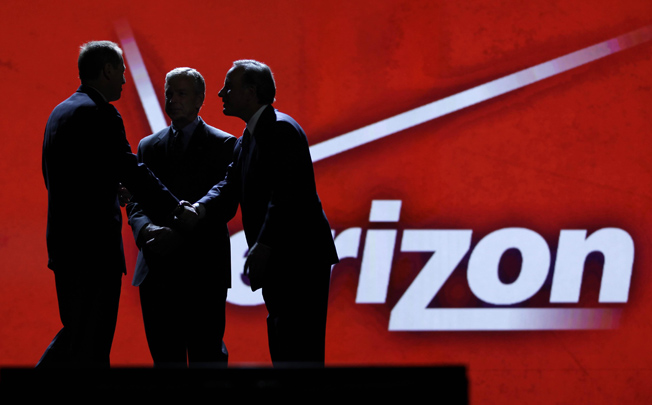Verizon misses estimates in Q3, adds 1.5 million net retail customers
