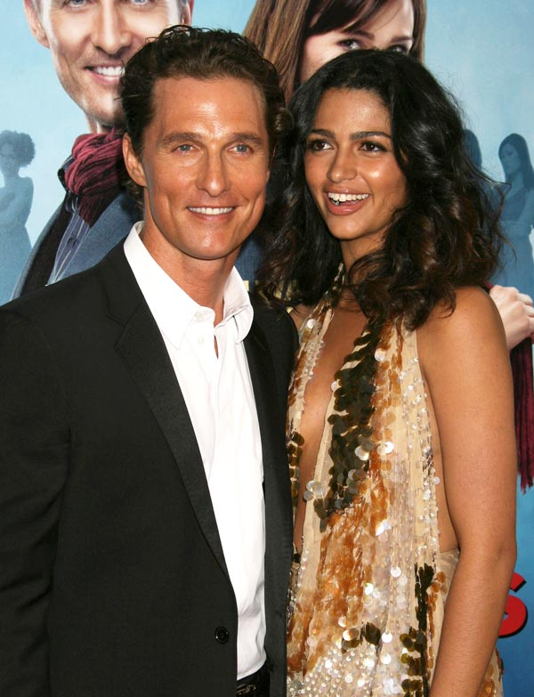 Camilla-Alves-and-Matthew-McConaughey-ftr-FFN_flynet_ghosts2_042709_ER_50432960