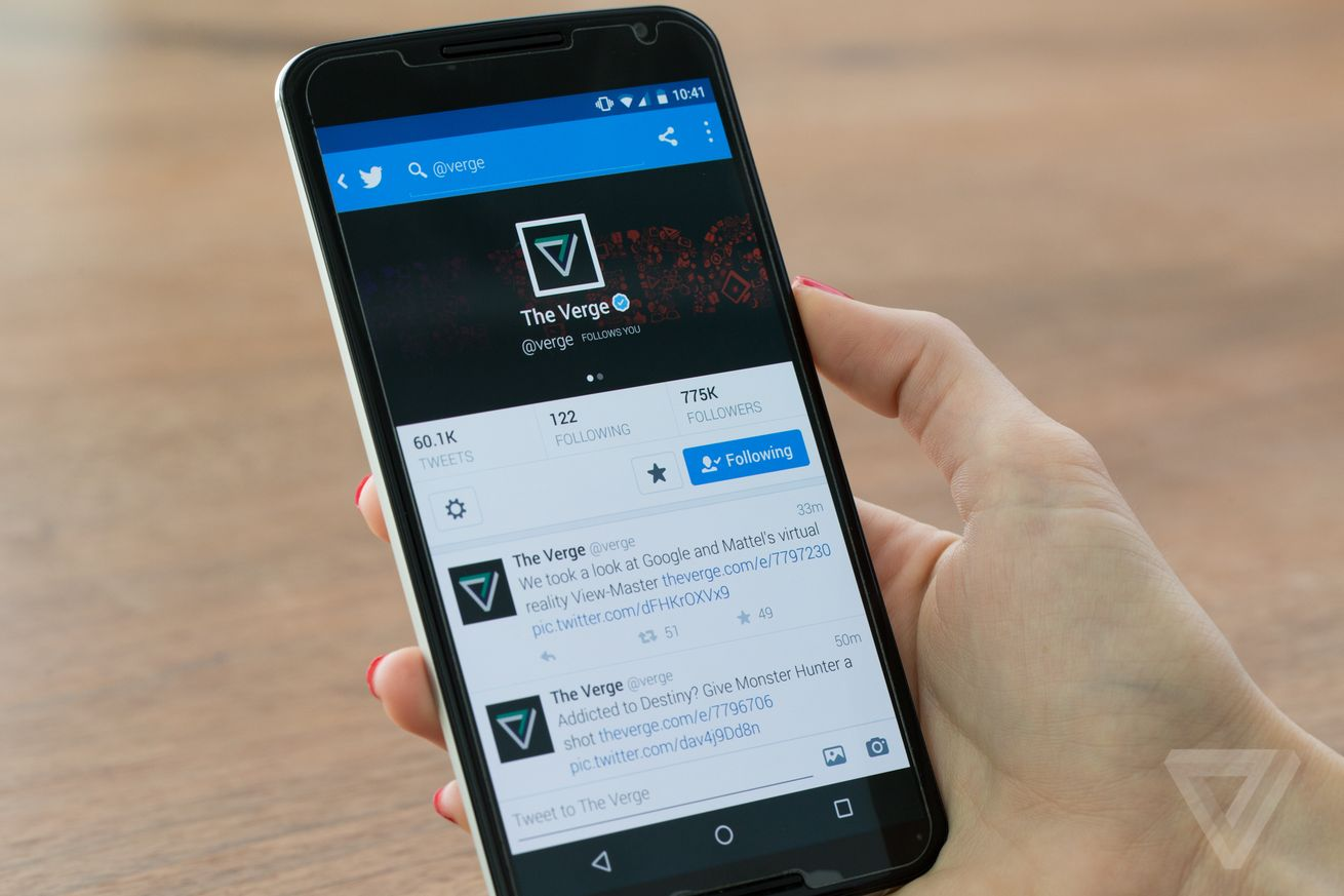 Twitter's timeline will soon show tweets out of order