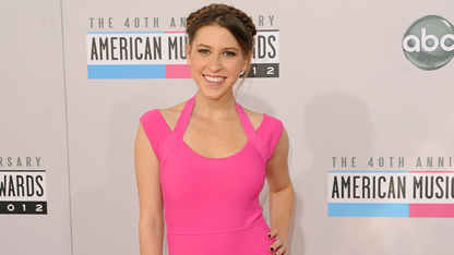 Eden Sher: Red Carpet Slayer!