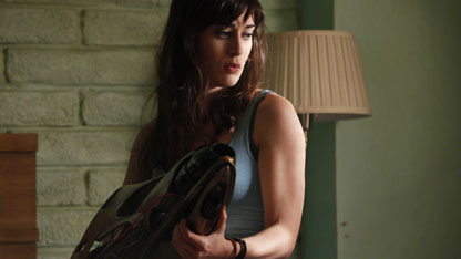 Lizzy Caplan Takes One-Shot at 'Sex'