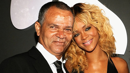 Rihanna&#39;s Father Calls Her &#39;Fat&#39;