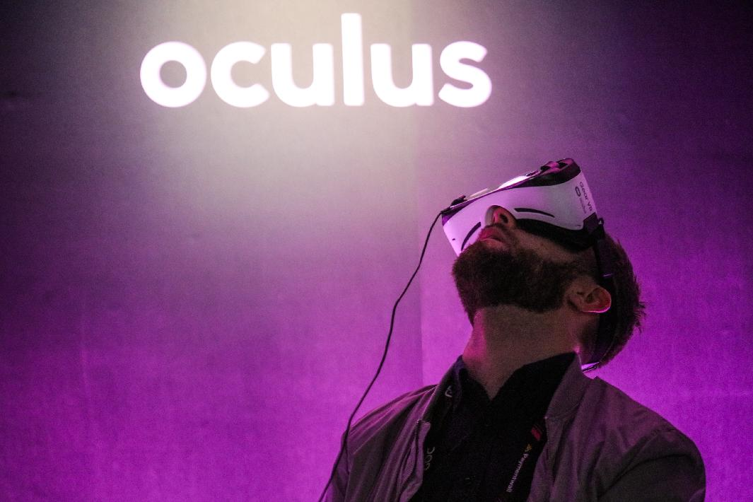 Separated at birth: Oculus Rift and HTC Vive