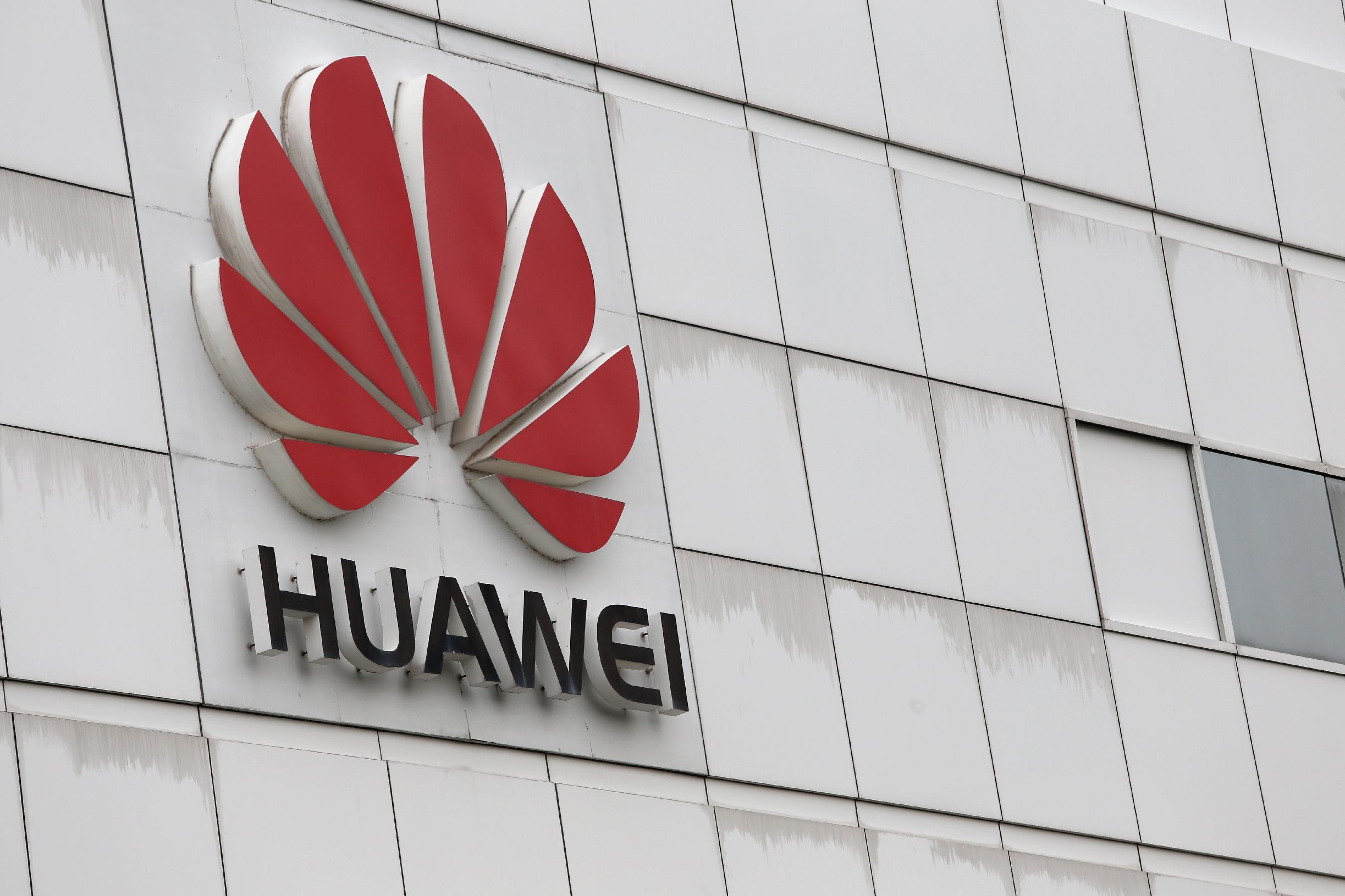 China's Huawei rides Google coattails into new markets