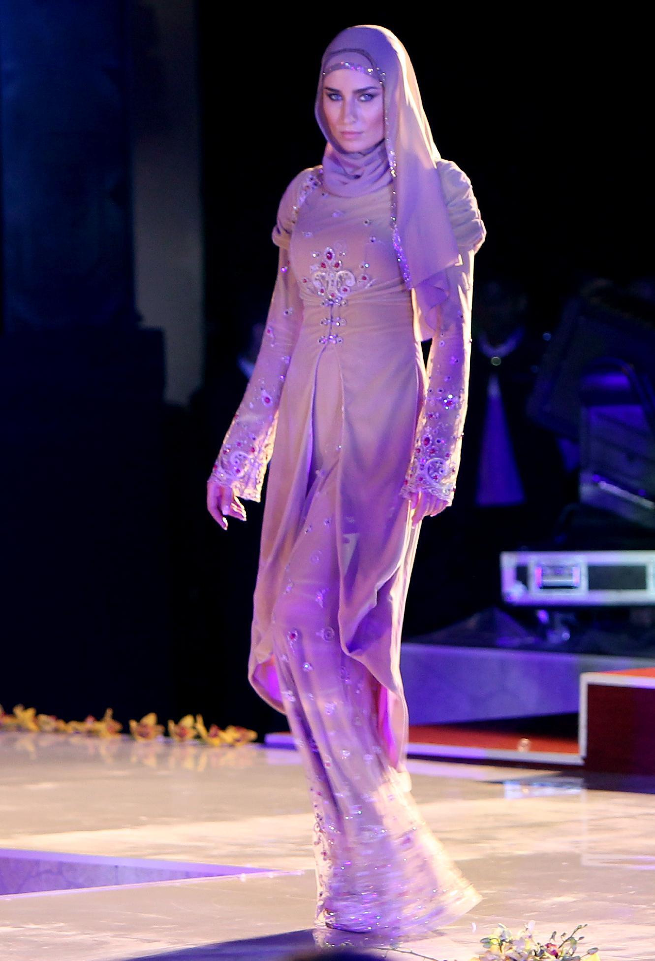 Чеченки в платьях фото 17 фотография