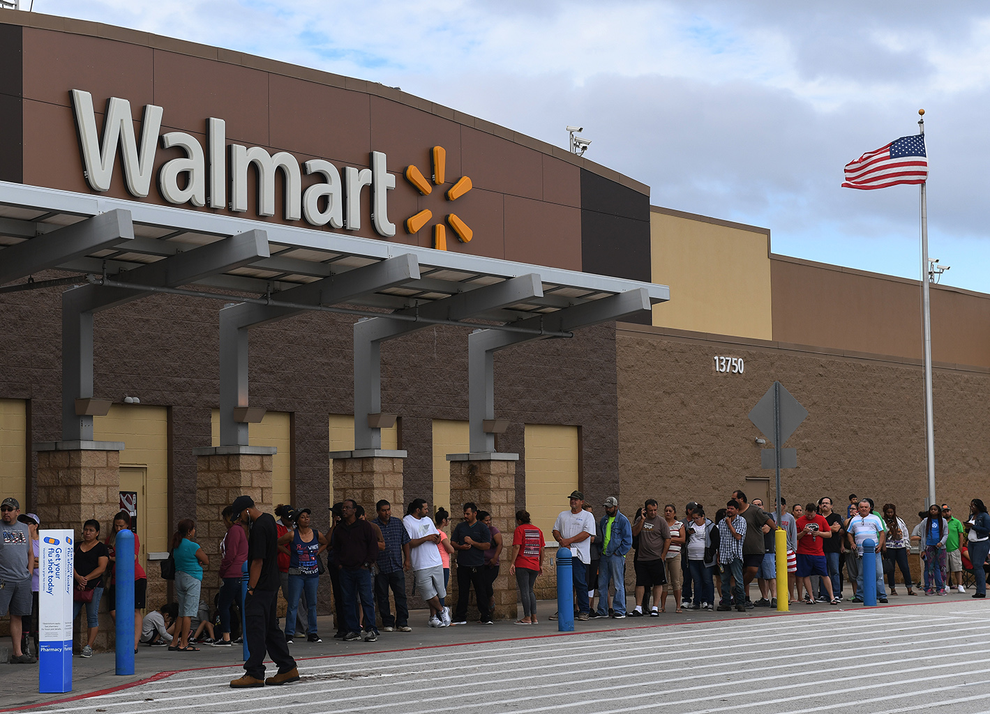 Walmart to launch 'Black Friday' deals early