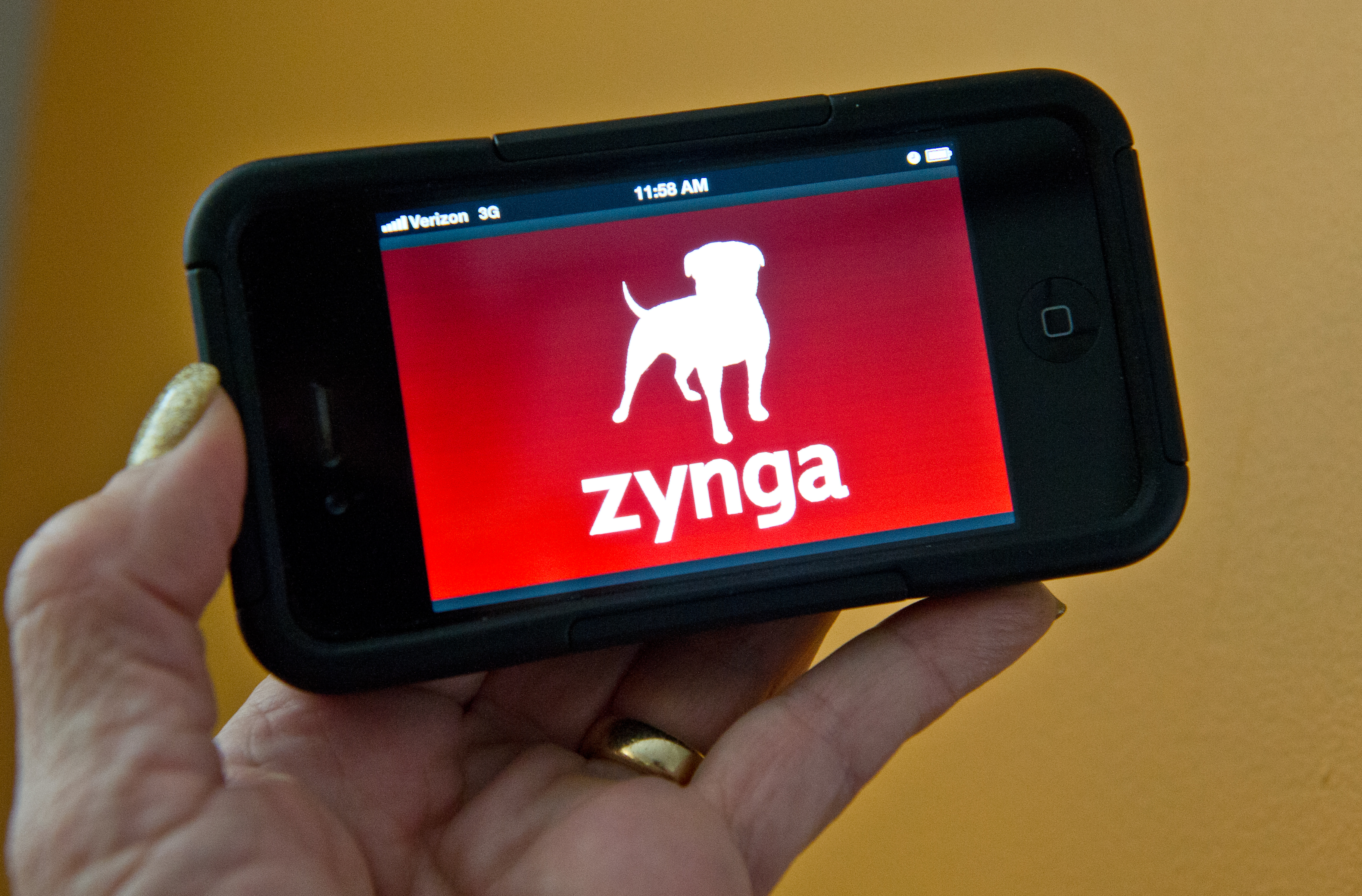 Zynga seeks new harvest with mobile FarmVille game