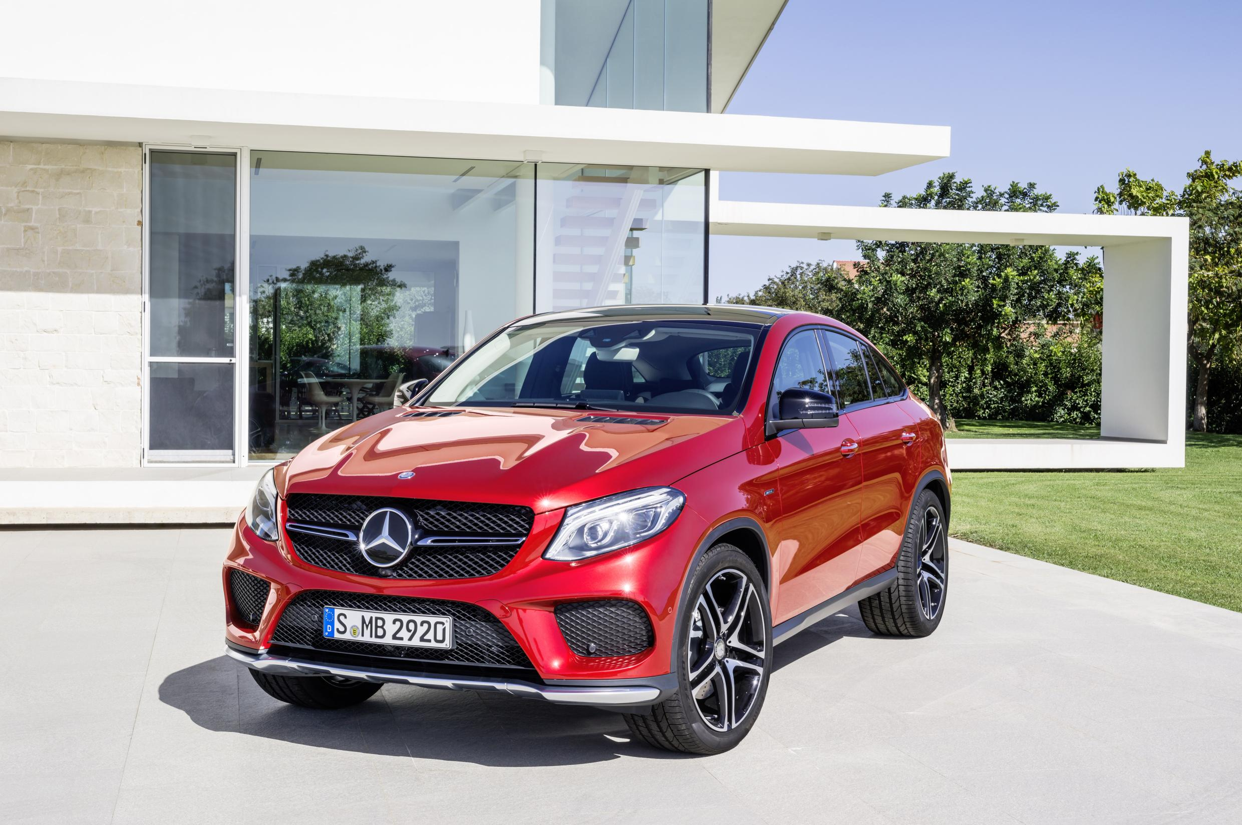 The Mercedes-Benz GLE 450 AMG Coupé - New Mercedes GLE fuses coupé and crossover