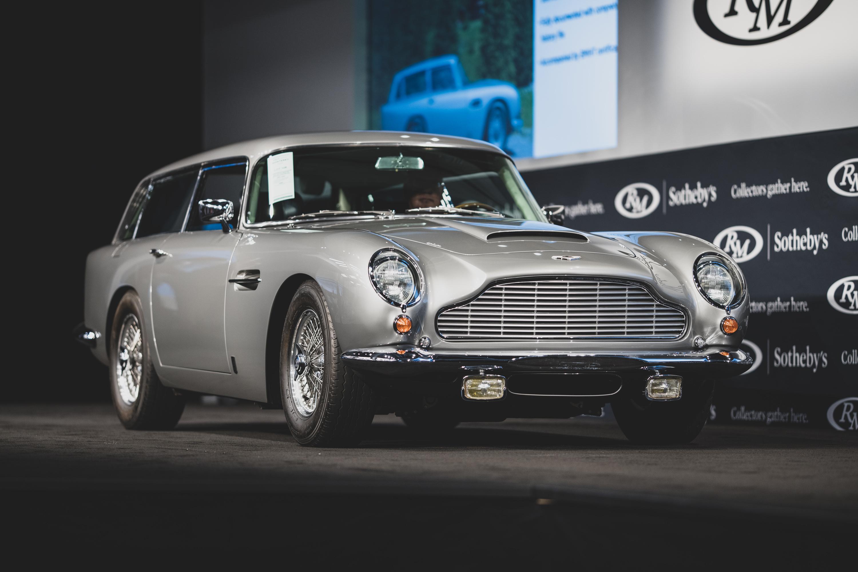 James Bonds 1965 Aston Martin DB5 auctioned for $6.4 million