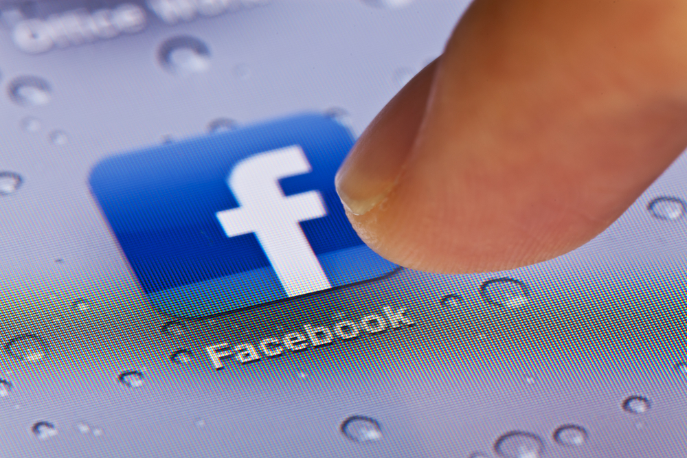 Facebook makes changes to avoid political bias