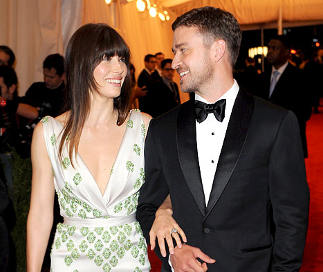 Justin Timberlake Sang to Jessica Biel at Wedding Reception!