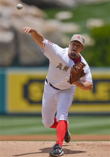 Los Angeles Angels starting pitcher Joe Blanton delivers against the Chicago White sox in the first inning of a baseball game, Saturday, May 18, 2013, in Anaheim, Calif