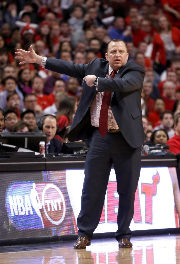 Chicago Bulls head coach Tom Thibodeau directs his team during the second half of Game 2 in an opening-round NBA basketball playoff series against the Washington Wizards Tuesday, April 22, 2014, in Chicago. The Wizards won 101-99