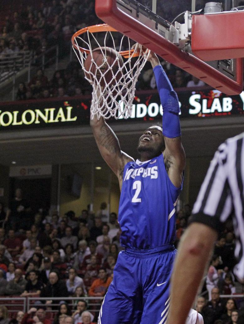 Memphis' Shaq Goodwin scores against Temple in the first half of an NCAA basketball game, Saturday, Jan. 11, 2014, in Philadelphia